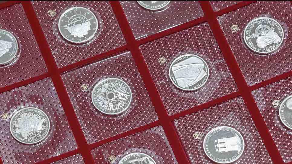 Einige DM Münzen im Blister