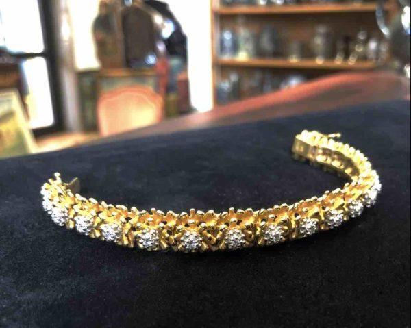 Goldenes Armband mit Brillanten