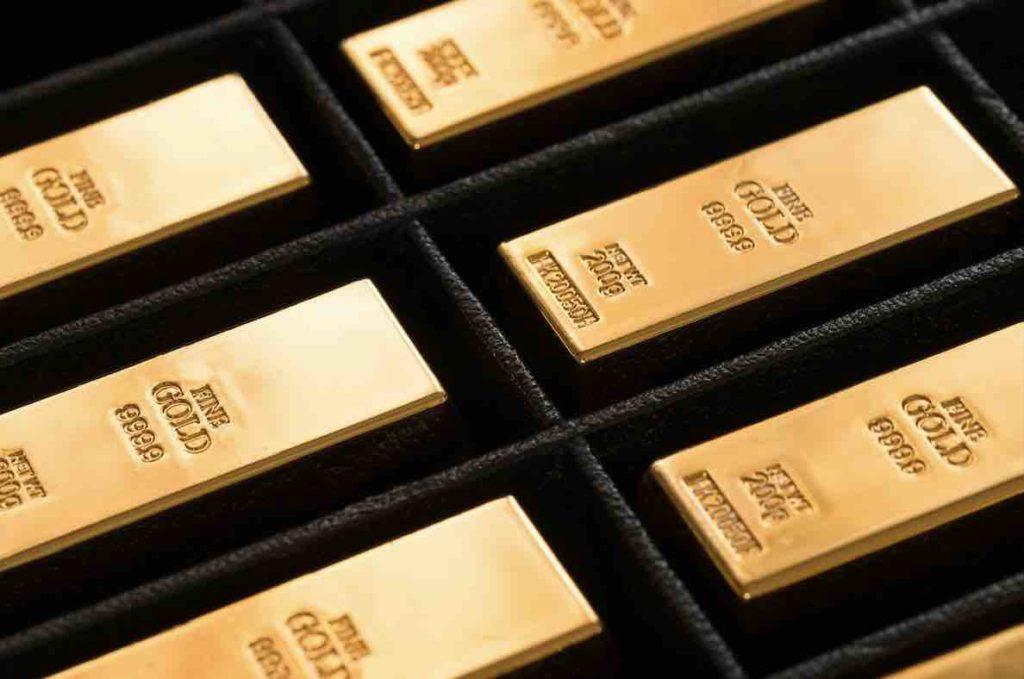 Einige liegende 1 Kilo Goldbarren
