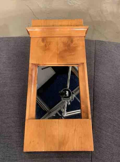 Kleiner Biedermeier Spiegel aus Holz von oben