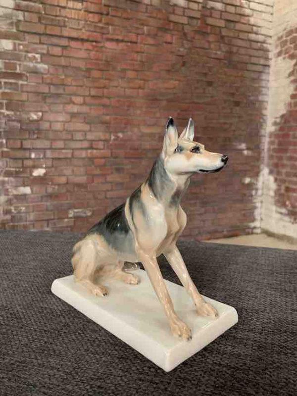 Schäferhund aus Porzellan von Meissen
