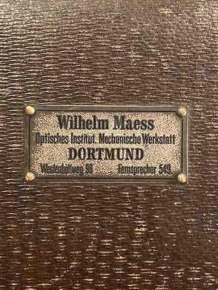 Herstellerschild des Polarplanometers von Wilhelm Maess