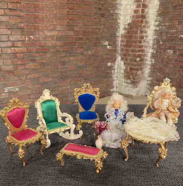 Puppenmöbel der Firma Szalasi