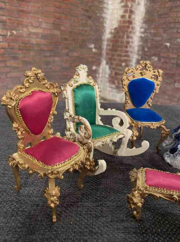 Stühle der Firma Szalasi
