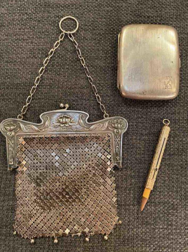 Tasche, Bleistifthalter und Zigarettenetui aus Silber und Gold von oben