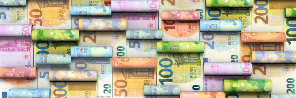Gerollte Euro Geldscheine