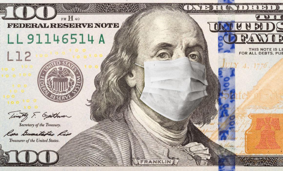 Amerikanische Dollar Geldnote mit Benjamin Franklin und Atemschutzmaske