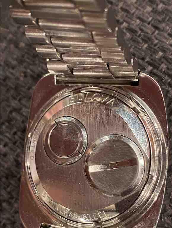 Rückseite der Bulova Uhr