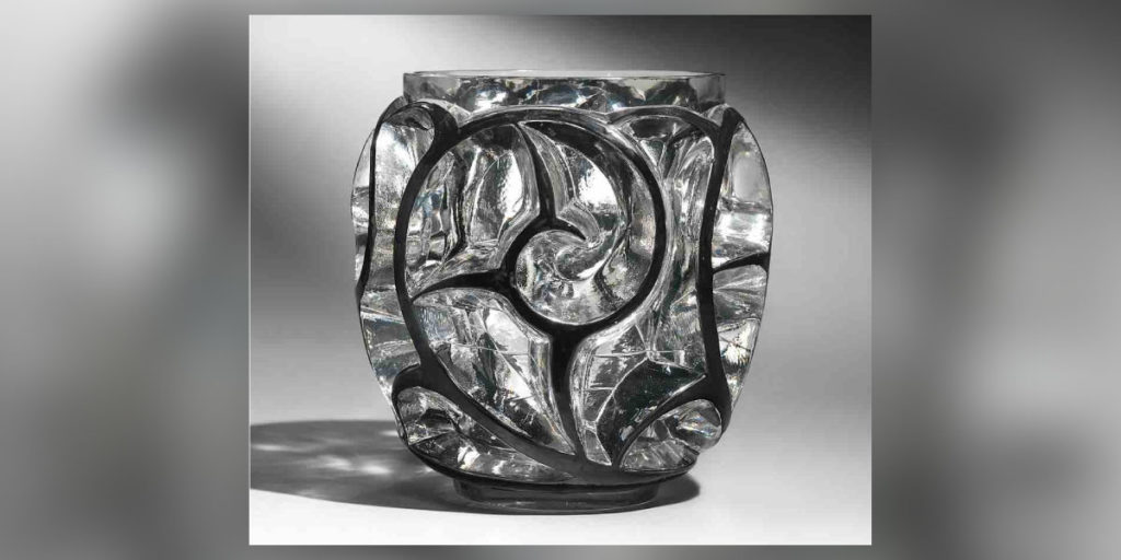 Vase aus Glas der Marke Lalique