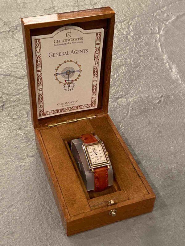 Armbanduhr in Box
