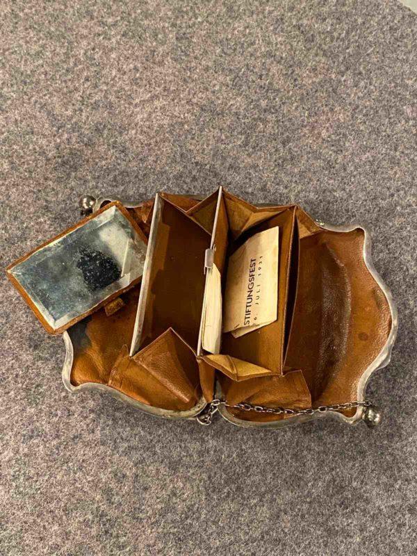 Handtasche mit Leder