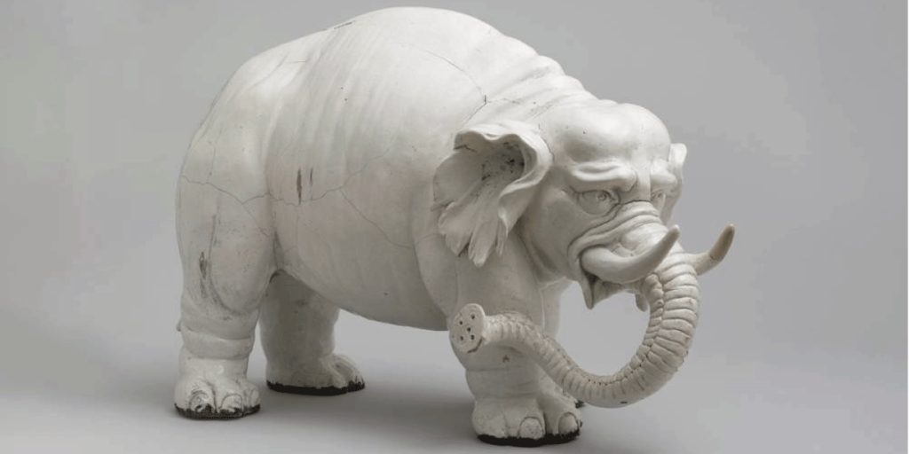 Weißer Porzellanelefant
