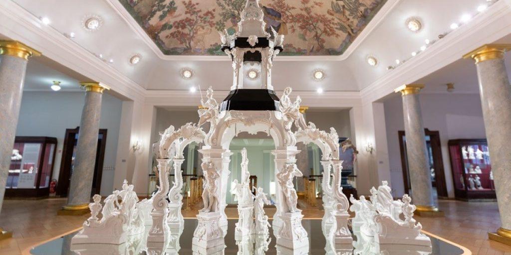 Prunkvoller Porzellanpalast
