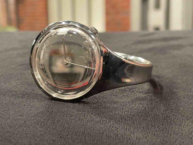 Gebogene Uhr von Georg Jensen