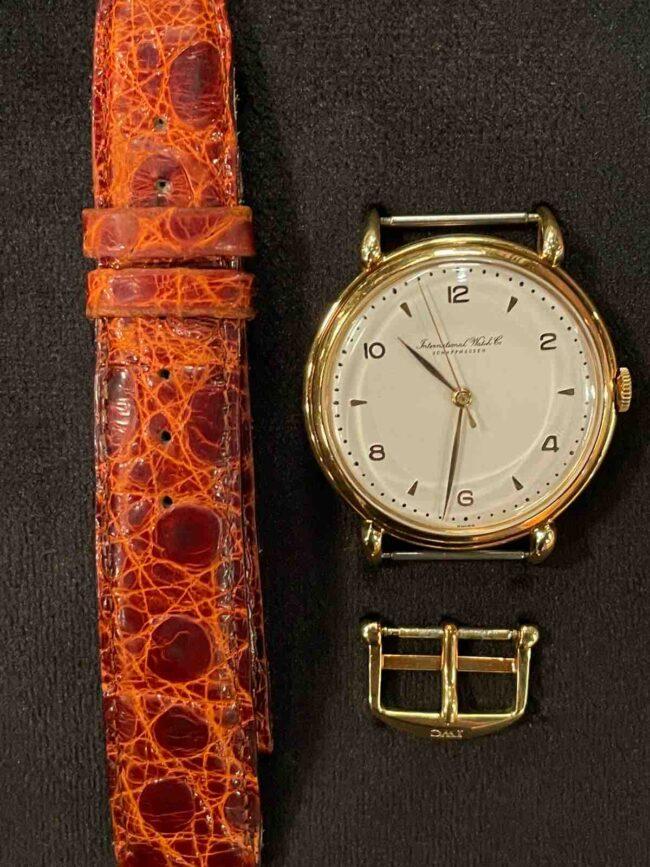 Goldene IWC Armbanduhr